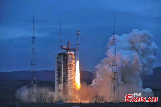 China launches HY-2B marine satellite
