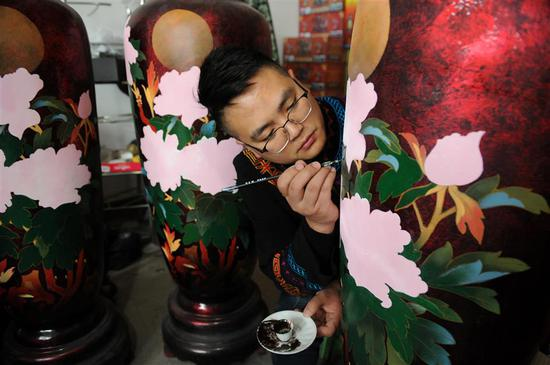 Traditional art form pursues modern luster