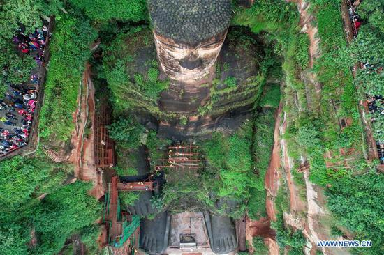 Leshan Giant Buddha under examination in Sichuan