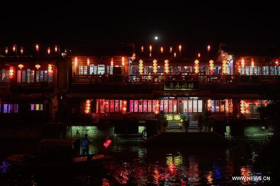 Night view of Xitang ancient town in China's Zhejiang