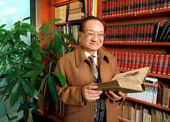 Chinese martial arts novelist Louis Cha dies at the age of 94