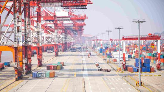 China lowers tariff rates on 1,585 taxable items