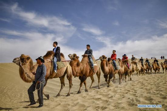 China's Xinjiang receives increasing number of tourists