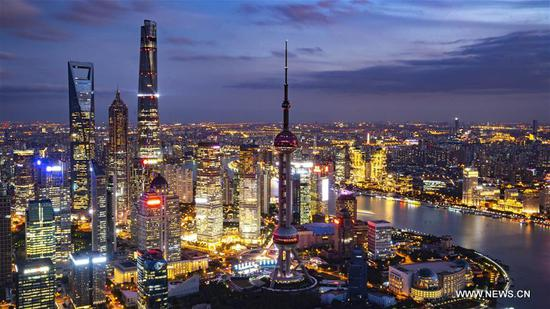 Shanghai greets CIIE guests with charming night view