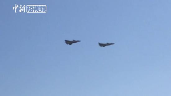 J-20 performs at Airshow China 2018