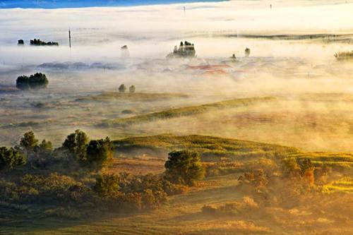 Xinjiang's Burqin County in mist