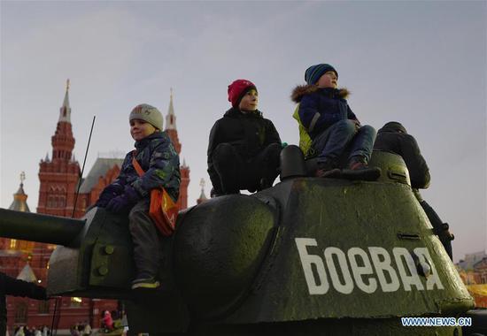 俄罗斯莫斯科纪念1917年10月革命101周年