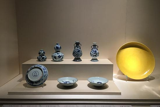 Palace Museum displays glory days of Ming porcelain