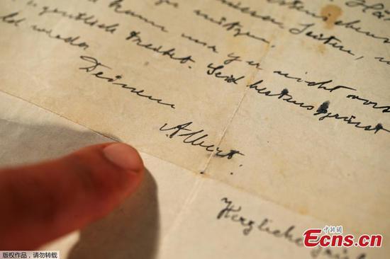 Einstein's 1922 letter sells at auction