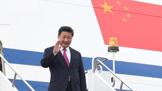 President Xi departs for APEC meeting, state visits to PNG, Brunei, Philippines