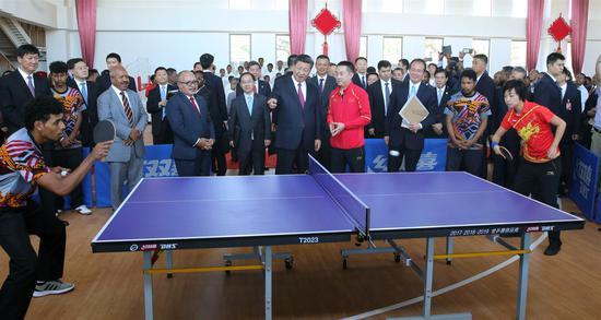 Xi praises friendship of youths