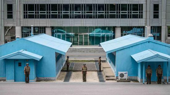 DPRK destroys 10 border guard posts