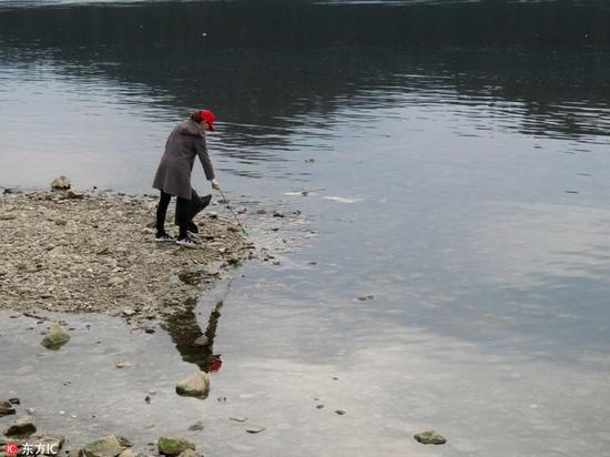 9 accused of dumping toxic waste into Yangtze River