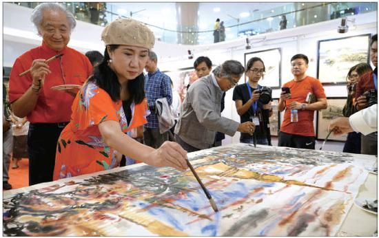 Exhibition promotes closer cultural ties