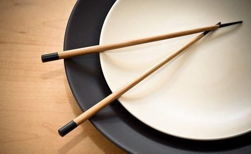Culture Insider: Chopsticks do's and don'ts