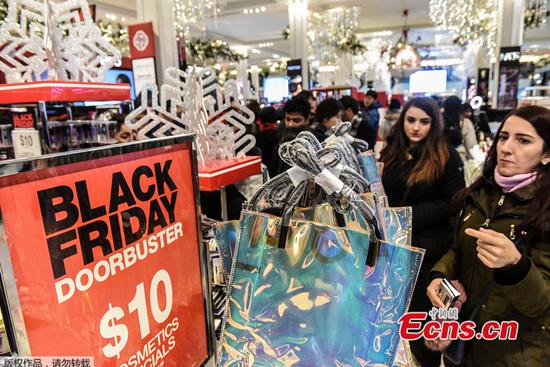 Black Friday less wild as more Americans turn to online deals