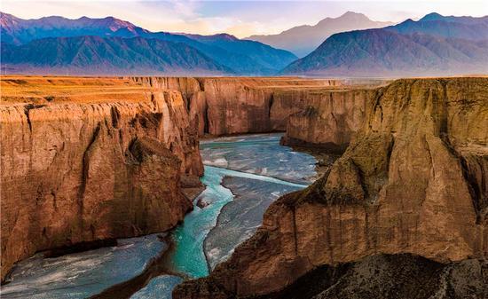 Gansu promotes its rich tourism resources