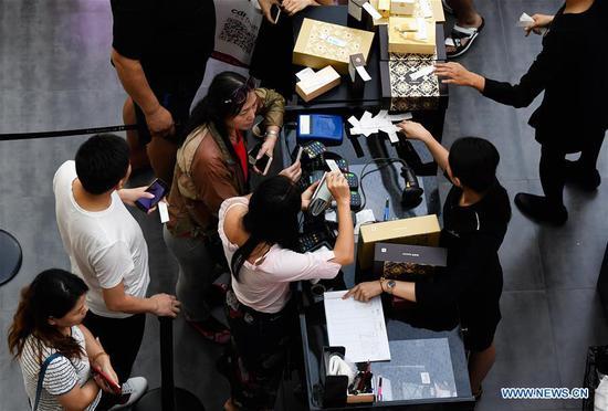 中国海南将年度免税购物额度提高至3万元
