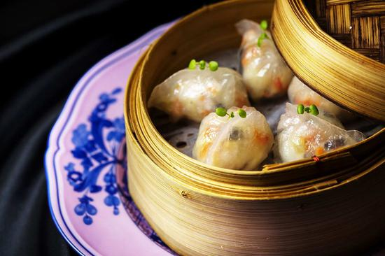 Cantonese dim sum: steamed prawn, bamboo shoot dumpling. (Photo/Courtesy Ritz-Carlton, Singapore)