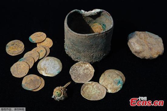 在以色列发现有900年历史的金币