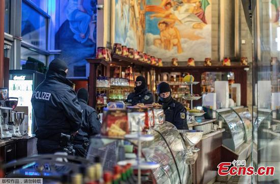 Police arrest 90 in European crackdown on Italian mob