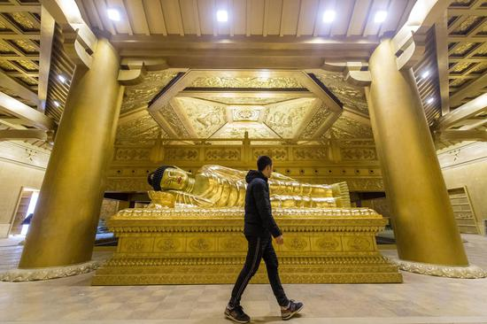 佛教纯铜宫再次闪耀