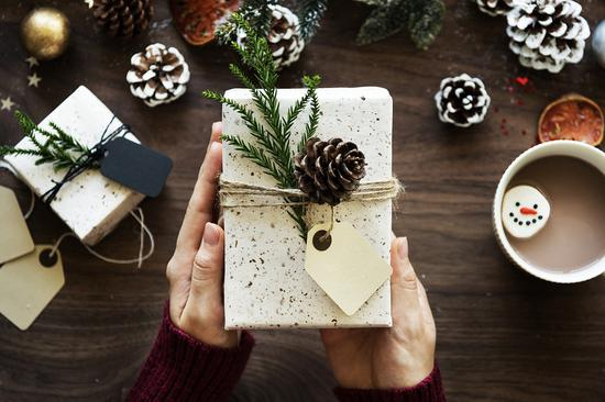 British grandpas to receive fewer Christmas gifts than pets do this year -- research