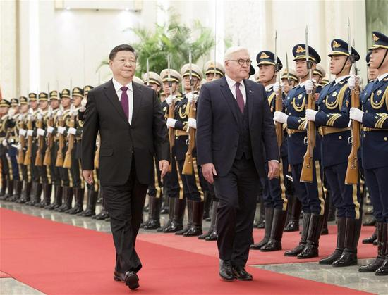 Chinese President Xi Jinping (L) holds a welcoming ceremony for German President Frank-Walter Steinmeier before their talks at the Great Hall of the People in Beijing, capital of China, December 10, 2018. /Xinhua Photo