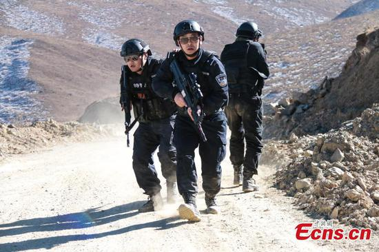 Special police in intensive winter training