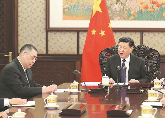 President Xi Jinping meets in Beijing on Monday with Fernando Chui Sai-on, chief executive of the Macao SAR, to listen to his briefings on the year's work. XIE HUANCHI / XINHUA