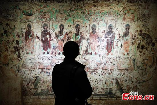 Dunhuang murals show held in Shanghai