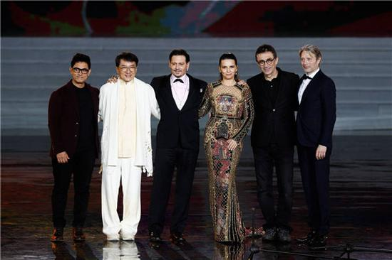 The first Hainan International Film Festival gathers a bunch of A-list celebrities, such as (from left) Aamir Khan, Jackie Chan, Johnny Depp, Juliette Binoche, Nuri Bilge Ceylan and Mads Mikkelsen. (Photo provided to China Daily)