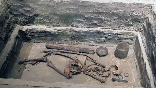 Archaeologists find human sacrificial pit in Inner Mongolia
