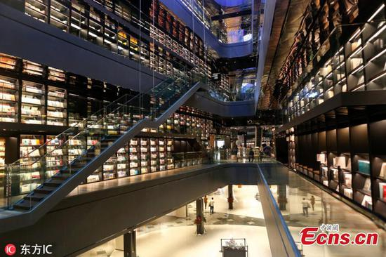 Bookstore becomes a tourist attraction in Xi'an