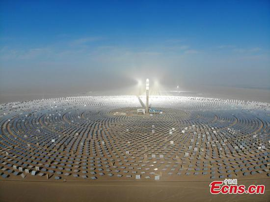 China's first 100-megawatt molten salt solar plant
