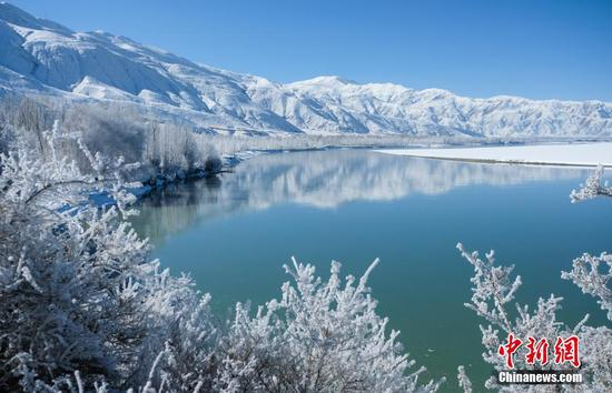 Enjoy the breathtaking winter scenery of Tibet