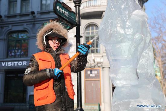 Highlights of national college ice sculpture competition in Harbin