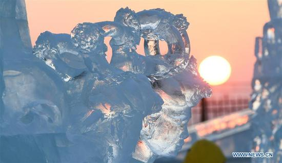 Highlights of int'l ice sculpture competition in NE China's Harbin