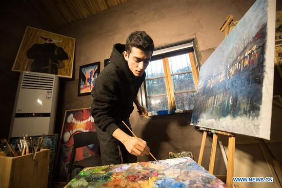 Iranian painter pursuing dream in China