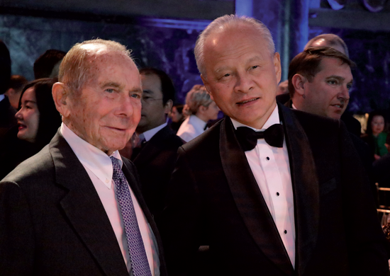 Maurice Greenberg (left), CEO of insurance giant Starr Companies, and Cui Tiankai, China's ambassador to the United States, attend the Chinese Lunar New Year Gala hosted by the China General Chamber of Commerce-USA (CGCC) on Monday in New York. (Photo by KONG WENZHENG / CHINA DAILY)