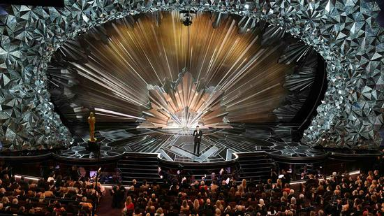 Will Oscars go without host for the first time in 30 years?