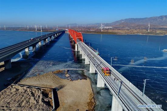 Track laying work of Beijing-Zhangjiakou high-speed railway line partly completed