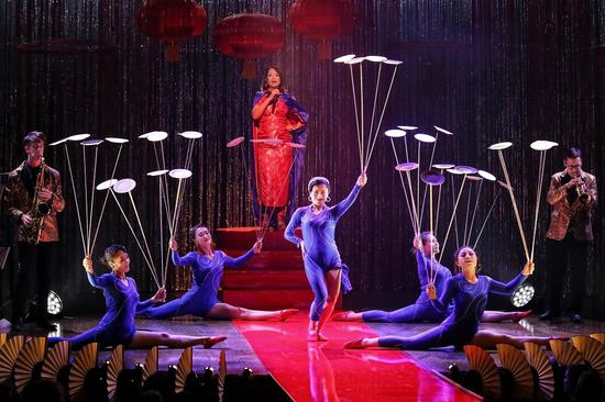 Chinese acrobatics impress Aussie audience with show inspired by 1930s Shanghai