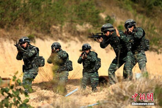 Special police undergo intensive training in Hainan