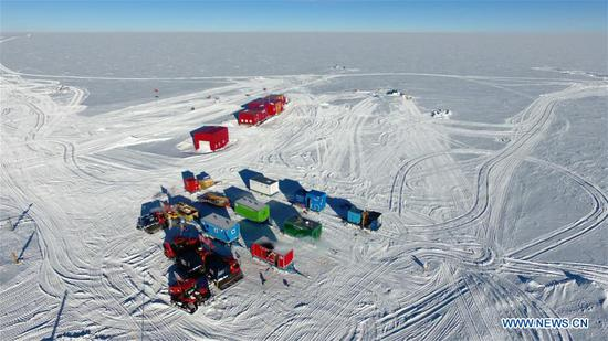 Kunlun team of China's 35th Antarctic expedition withdraws from peak of inland icecap
