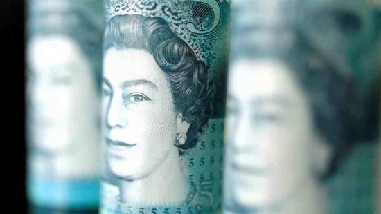 British pound falls as lawmakers rule out delayed Brexit