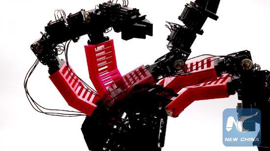 Robot created to imagine itself