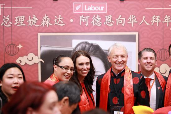 新西兰总理参加中国农历新年庆祝活动