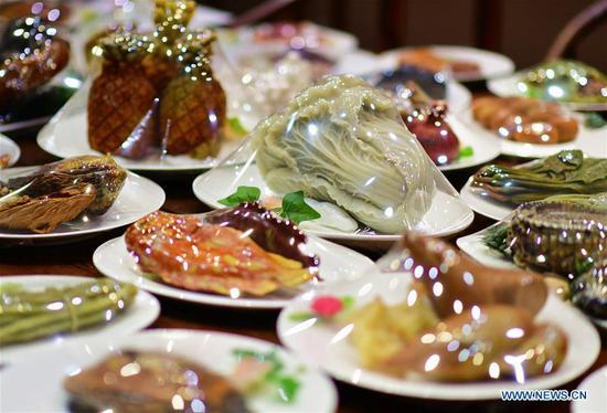 在中国扶竹展出寿山石制中国菜展览