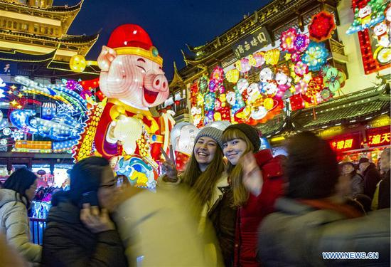 Tourists visit a lantern fair at Yu Garden in Shanghai, east China, Feb. 5, 2019, the first day of the Chinese Lunar New Year. (Xinhua/Wang Hechun)